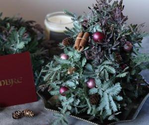 生花で作るクリスマスツリー